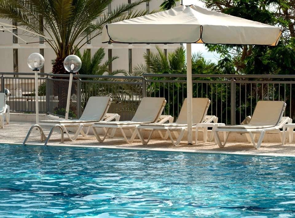 Spa Club - Poolside view