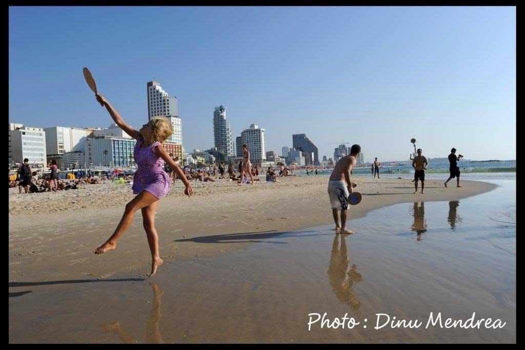 playing-matkot-on-the-beach-cdinu-mendrea-1-